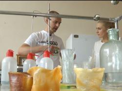 Українець винайшов одноразовий екологічний посуд, який можна навіть їсти!