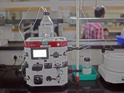 Робот-хімік уміє знаходити нові сполуки
